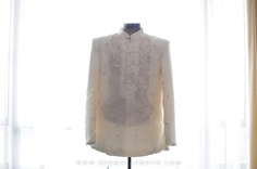 suit barong Barong, Grooms, Wedding Photos, Reception, Wedding Inspiration, Suits, Formal Dresses, Lace, How To Wear