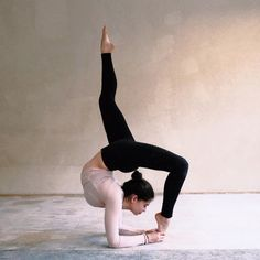 We love The Airbrush Legging #yoga #inspiration #aloyoga