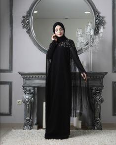 Чёрное платье незаменимая вещь в гардеробе любой девушки,а если оно ещё удобное,красивое и стильное👍🏻🌸В наличии 44,46,48,остальные размеры…