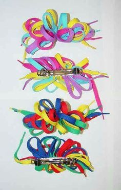Oh how I wish I could find these shoelaces bows for my carly!!