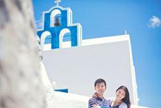 The perfect honeymoon photography session on the spectacular island of Santorini. Honeymoon Photography, Film Photography, Couple Photography, Santorini, Greece, Cinema, Island, Greece Country, Movies