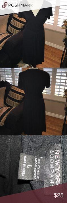 Beautiful black wrap around dress Wrap around short sleeve dress New York & Company Dresses Midi