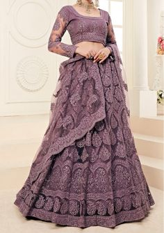 Indian Designer Dresses & Traditional Clothes Online Shopping in USA Indian Gowns Dresses, Indian Fashion Dresses, Indian Designer Outfits, Latest Bridal Lehenga, Designer Bridal Lehenga, Pakistani Bridal, Party Wear Lehenga, Party Wear Dresses, Wedding Dresses