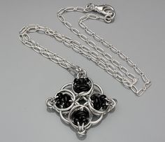 Chainmaille Pendant- Celtic Diamond- Chainmaille with glass- Aluminum/Black