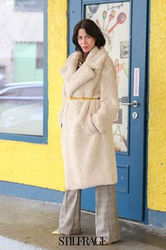 Du willst die schönsten Teddy Mäntel Looks für die Wintermode 2021 entdecken? 4 inspirierende Fashion Looks auf meinem Blog zeige ich dir. Die passenden Outfits für kalte Tage und dabei trendy sein. #stilfrage #teddy #teddycoat #teddymantel #wintermode #winter #fashion #fashionblog