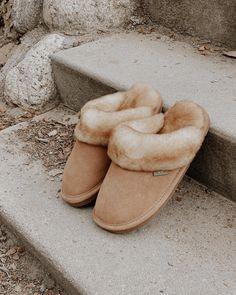 BRAND NEW Cloud Nine Sheepskin Slippers