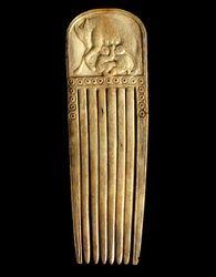 Peigne à représentation de Romulus et Rémus