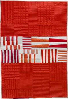 Totem quilt by Carolyn Friedlander. Another cute quick quilt Quilting Projects, Quilting Designs, Quilting Patterns, Loom Patterns, Two Color Quilts, Red And White Quilts, Quilt Modernen, Modern Quilt Patterns, Patchwork Quilting