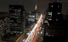 A Prefeitura de São Paulo anunciou que estuda fechar a Avenida Paulista para carros aos domingos e irá testar o modelo na Virada Cultural, que acontece neste final de semana.