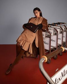 Max Mara sur Instagram: Define your own style with a touch of timeless elegance like @eileenyoyoyoyo in a refreshed version of #MaxMaraFW20's signature camel… A Ra, S Signature, Timeless Elegance, Max Mara, Monochrome, Camel, Touch, Elegant, Instagram