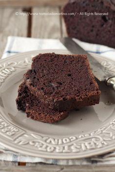 Torta al cacao senza burro, latte e uova