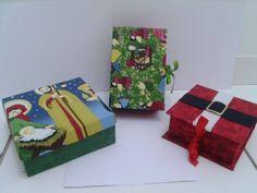 Caixas com temas natalinos. Creditos página no facebook: Amor de papel, scrap da Paty