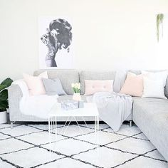 @thedesignminimalist has styled the #Kmart faux fur rug to perfection! #kmartaus #kmarthome #kmartstyle #kmartstyling #kmartaustralia #kmarthomewares #thekmartdiaries #interiorinspo #homeinspo