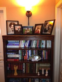 Next, I want to tackle how to arrange and decorate bookshelves...