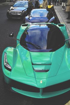 envyavenue:  LaFerrari, Veyron, P1