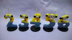Velas personalizadas para cumpleaños infantil. Porcelana fria. Minions. Despicable me candle birthday