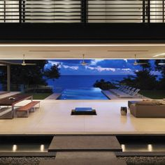 Living with infinity pool