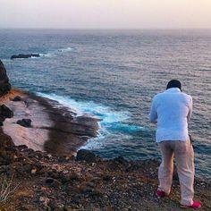 Por dar cierta información geográfica... le pondrémos de nombre, SUR.  Me gusta este sitio por lo bello que es al poder contemplar de forma aislada una puesta de sol y EL MIEDO e incertidumbre que da el no saber o saber que en cualquier momento, el mar puede reclamar cuanto le pertenece y ser nosotros parte de, SU TODO.