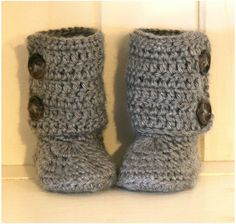 Knitted Baby Ugs.