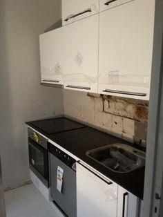 Keittiö melkein valmis Kitchen Cabinets, Kitchen Appliances, Stove, Home Decor, Diy Kitchen Appliances, Home Appliances, Decoration Home, Range, Room Decor