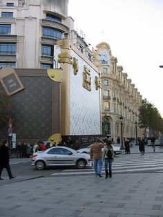 Louis Vuitton-Paris