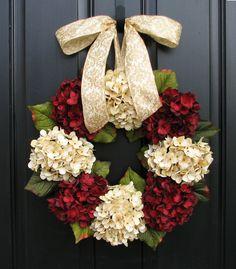 Hydraenga Christmas Wreath