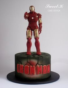 I take 2 weeks to make this cake…Iron man is the most difficult character I've made until now but also my favorite superhero :) This is also my first attemp with airbrush and I have to say that I have to practice a lot! Iron Man Theme, Iron Man Party, Iron Man Birthday, Boy Birthday, Birthday Cakes, Birthday Ideas, Superhero Cake, Superhero Birthday Party, Superhero Logos