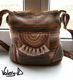 "Interesting bag with nice details Ravelry: Bambola-Nuda's Handbag ""In the Ethno Style"""