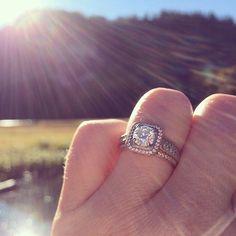 Fireworks in June! Stunning custom Simon G engagement ring, @katarinamermaid congrats!  Simon G Style: NR109 Firenze Jewels Style: #1576