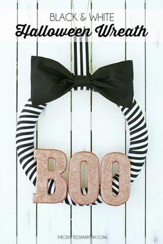 Black & White Halloween Wreath - thecraftedsparrow.com