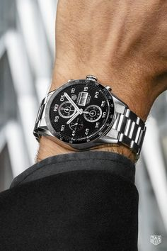 Experience the influence of motorsport with the the timepiece that blends function and style Burberry Men, Gucci Men, Tag Heuer Carrera Calibre, Sport Watches, Men's Watches, Dream Watches, High End Watches, Swiss Army Watches, Luxury Watches For Men