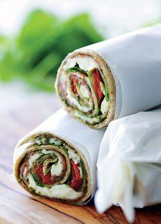 At fylde en tortilla og rulle den sammen, er da noget af det Sandwiches, Baby Food Recipes, Cooking Recipes, Healthy Recipes, Food N, Food And Drink, 600 Calorie Meals, Food Crush, Everyday Food