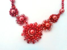 Flower necklace  pink and red beaded necklace by CristinaMyCrochet