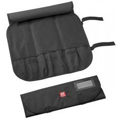 Θήκη για μαχαίρια Zwilling J.a. Henckels με 7 κενές θέσεις. Οι βαλίτσες χρησιμεύουν ως η τέλεια επιλογή για ασφαλή αποθήκευση και μεταφορά των μαχαιριών σας. Υλικό υψηλής ποιότητας για την καλύτερη προστασία των μαχαιριών. Yλικό: Υφασμάτινη Μέγεθος: 43 x 15 cm