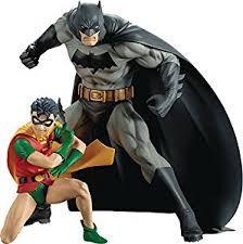 Resultado de imagem para statue batman