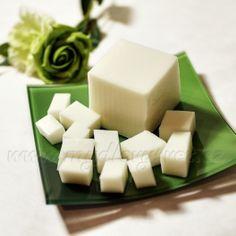 www.mydlovysvet      Mýdlová hmota s bambuckým máslem 1kg