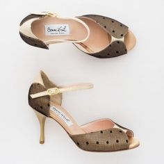 Comme il Faut Tango Shoes - Encaje y perlado Tango Shoes, Tango Dance, Walk In My Shoes, Dance Outfits, Coco Chanel, Marie, Kitten Heels, Dress Shoes, Take That