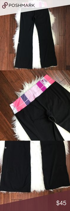 """Lululemon Black Flare Groove Pant Leggings Excellent used condition. No flaws. Reversible. Hidden pocket in the waistband. Measures 39"""" long with a 31"""" inseam. lululemon athletica Pants Leggings"""
