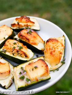 Courgettes chèvre et miel. In Just One Day This Simple Strategy Frees You From Complicated Diet Rules - And Eliminates Rebound Weight Gain - Comfort Food Recipes Veggie Recipes, Vegetarian Recipes, Cooking Recipes, Healthy Recipes, Recipes Dinner, Healthy Food, Dessert Recipes, Chefs, Bake Zucchini