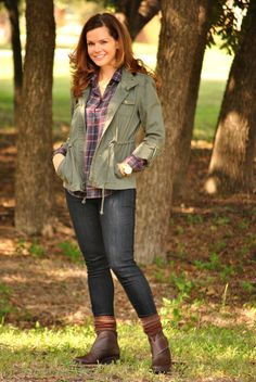 Look comfy, yet trendy with your plaid shirt! #plaidshirt #trend #fall