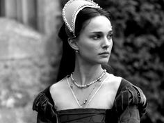 """Portrayals of Anne Boleyn in film: Natalie Portman as Anne Boleyn - """"The Other Boleyn Girl"""" Mary Queen Of Scots, Queen Anne, Off With Their Heads, Tudor Dress, Anne Boleyn Tudors, The Other Boleyn Girl, Tudor Dynasty, English Fashion, Actress Wallpaper"""