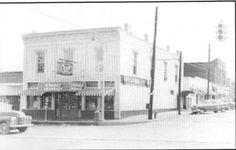 O'Neal's Drug Store Downtown Douglasville Sweetwater Park, Douglasville Georgia, Lithia Springs, Douglas County, Drug Store, Veterans Memorial, Park Hotel, Vintage Postcards, Ancestry