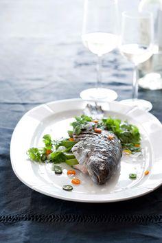 Velkommen til bords med Rosendahl og Grand Cru - Verket Interiør Grand Cru, Fish Dishes, Food Pictures, Tasty, Breakfast, Tableware, Ethnic Recipes, Interior, Design