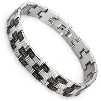 1ecdf54e50a50 Erkek için çelik bileklik modeli siyah ve gümüş gri renklerle  oluşturulmuştur. Siyah bölümlerin üzerinde versace deseni vardır. 21,5 cm.  uzu.