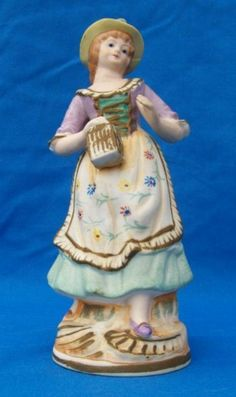 girl porcelain figurine Maruri Japan six half inch - Collectibles Figurines