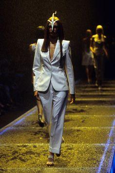 Alexander McQueen Spring 1998 Ready-to-Wear Fashion Show