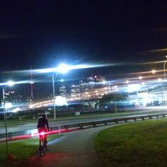 #nightride with @la_motte. #ridingfeelsgood #toronto #nightvibes #biketo #GardnierEast