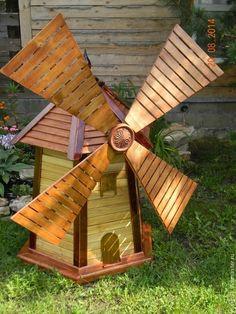 """Мельница декоративная деревянная """"Из глубинки"""" – купить или заказать в интернет-магазине на Ярмарке Мастеров   Мельница декоративная деревянная. Выполнена из… Outdoor Projects, Garden Projects, Wood Projects, Woodworking Projects, Outdoor Decor, Wooden Planters, Wooden Garden, Wooden Windmill, Wood Pallet Recycling"""
