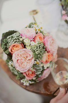 Eva & Martin: romantische DIY-Scheunenhochzeit WHAT A YOUFUL PICTURE http://www.hochzeitswahn.de/inspirationen/eva-martin-romantische-diy-scheunenhochzeit/ #wedding #rustic #inspiration