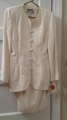 NWT Lois Snyder Dani Max Petite Career Jacket and Skirt - Ivory -women's Size 2 #LoisSnyderDaniMaxPetite #Careerskirtsuit